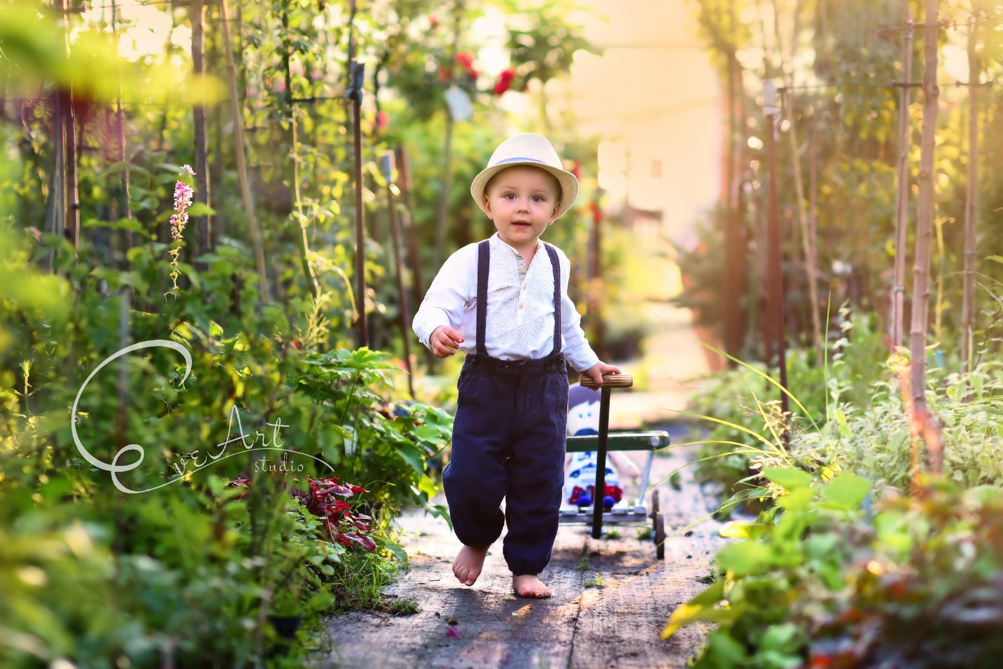 sesja_w_plenerze_krosno_kwiaty_fotograf_dzieci_eveart